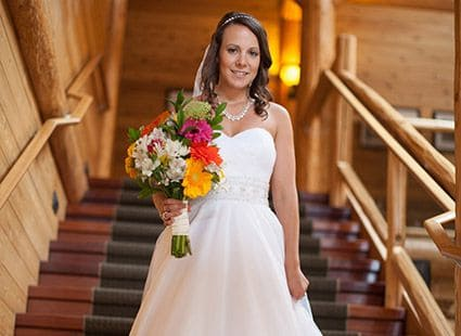 bride and bouquet at the Lakedale Resort lodge