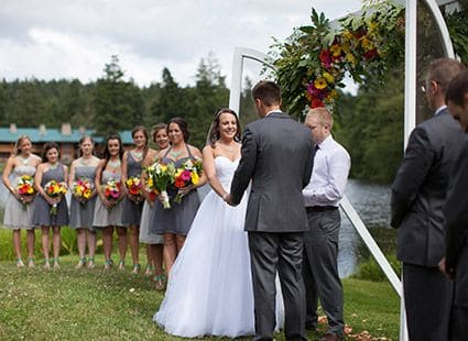 wedding ceremony at Lakedale