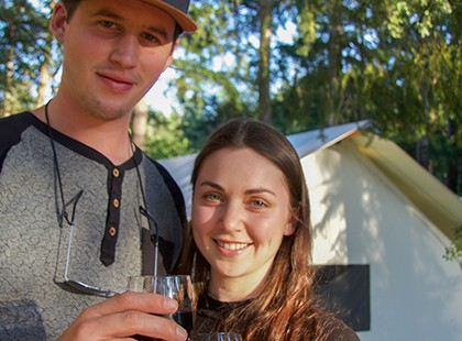 couple with wine at 420