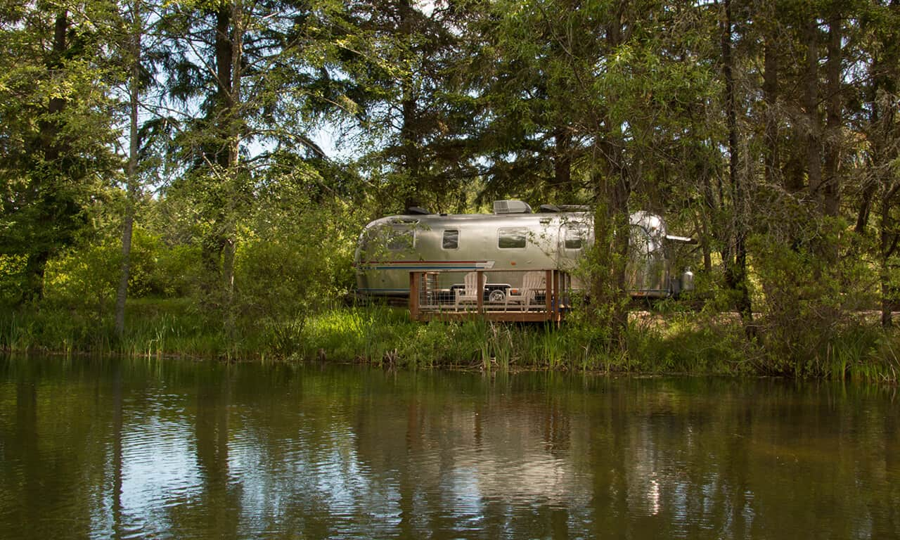 Airstream_from_lake_1_dwdsoi