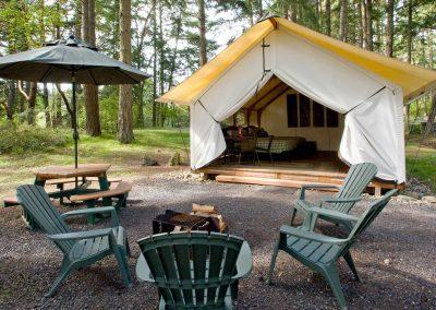 Canvas_Cabin_bunkhouse_exterior_with_campfire_horiz_etsqlg