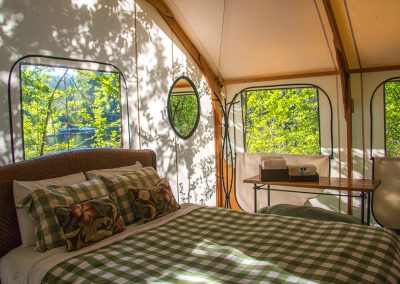 Canvas_cabins_in_morning-15_gj8h3r