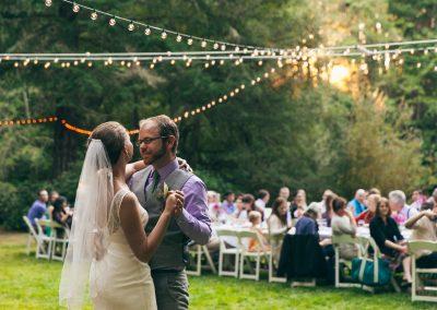 1280 couple dancing meadow