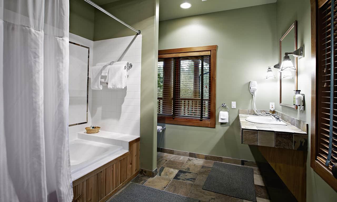 1280 Barwick lodge bath