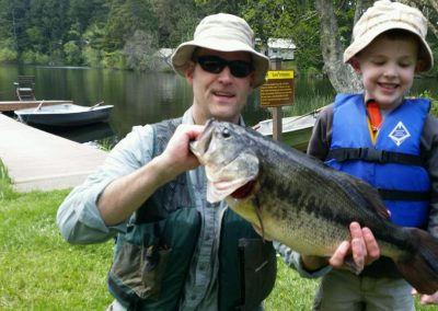 1280 Dad and son with big fish