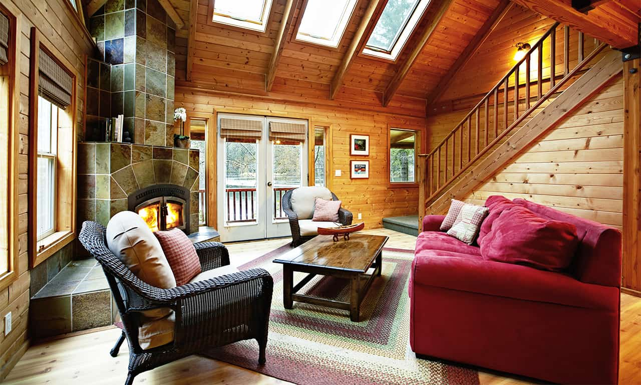1280 Lake House living room to lake
