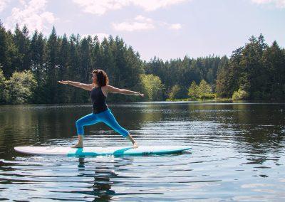 1280 Yoga on paddleboard