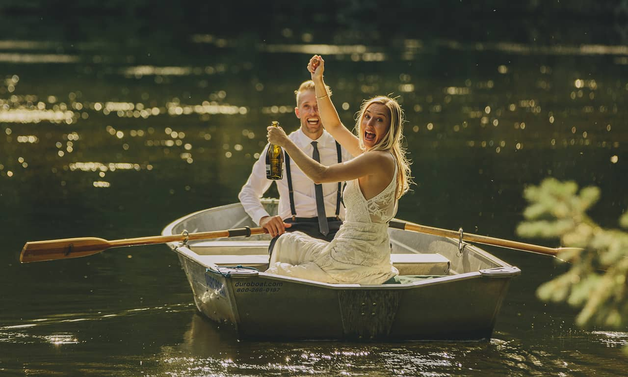 1280 blond weddng coule in rowboat