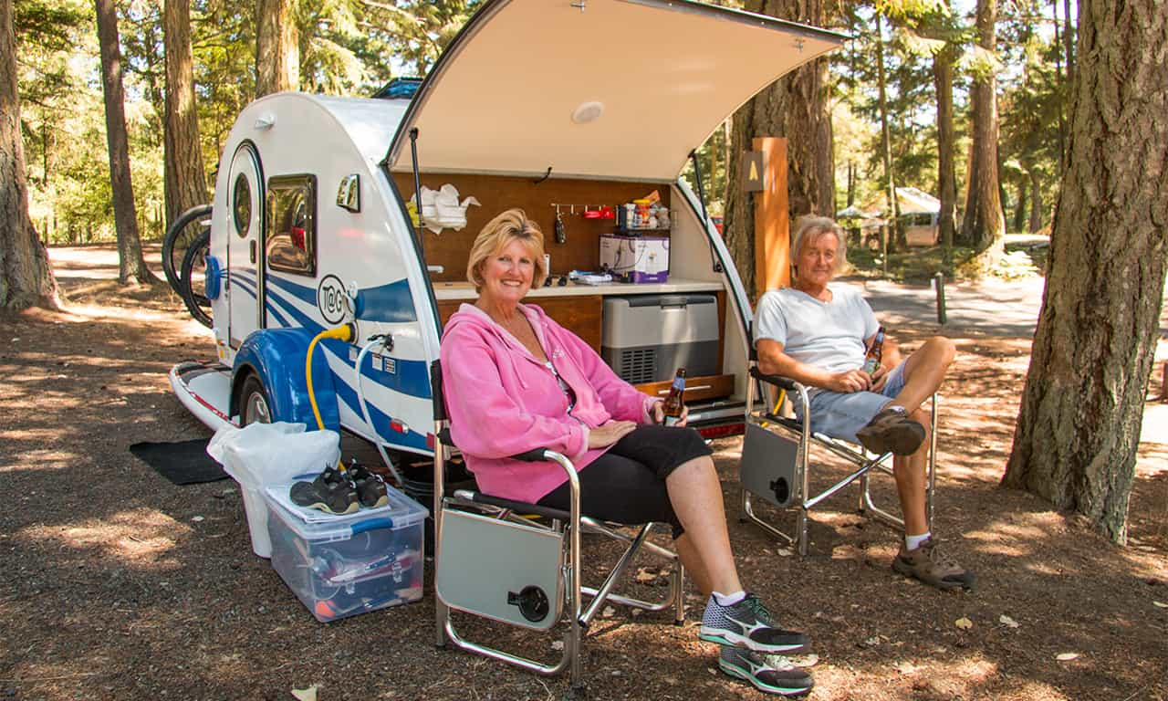 1280 camping couple with TAG trailer 070115-6