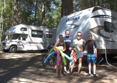 1280 camping family with RV's