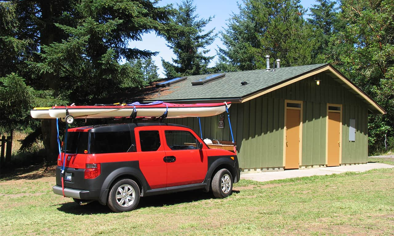 1280 camping red element with kayak