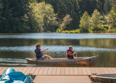 1280 canoe mom and boy at dock