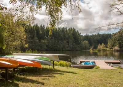 1280 canoes fore with lake back