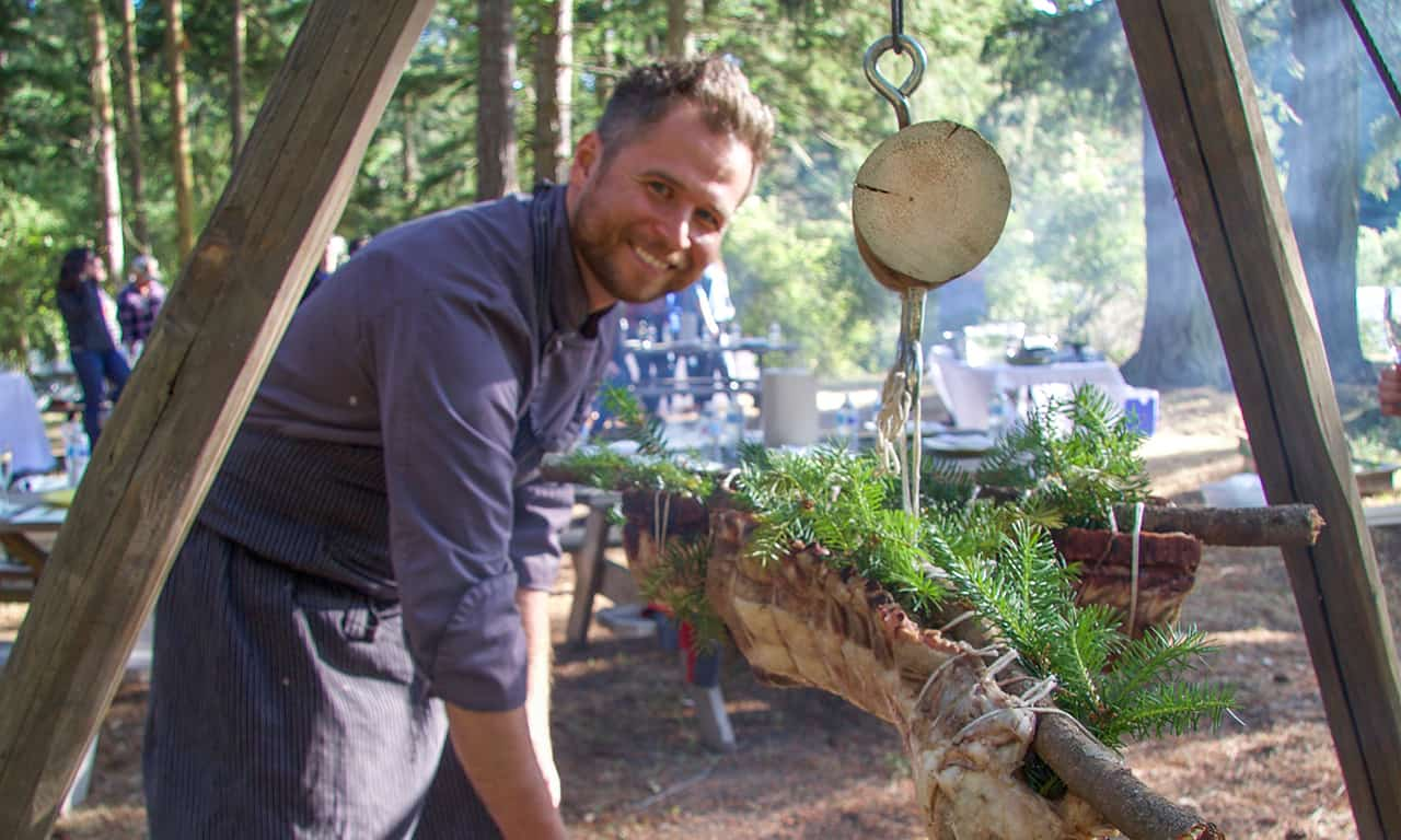 1280 chef michael with tripod