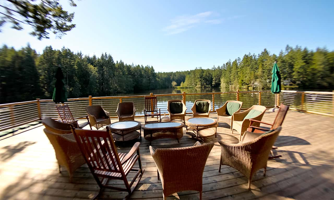1280 circle of chairs on lodge deck