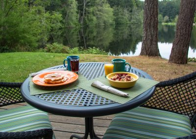 1280 lodge breakfast on table at lake