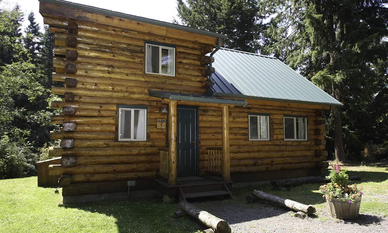 1280 log cabin exterior