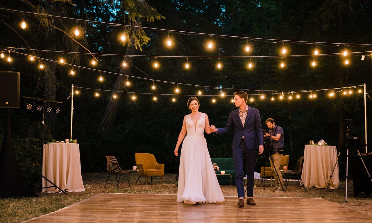 1280 wedding couple on dance floor