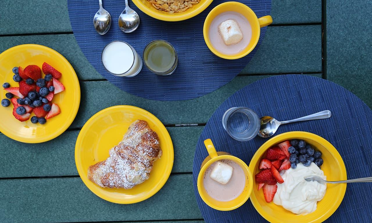 1280 yurt breakfast_LWM