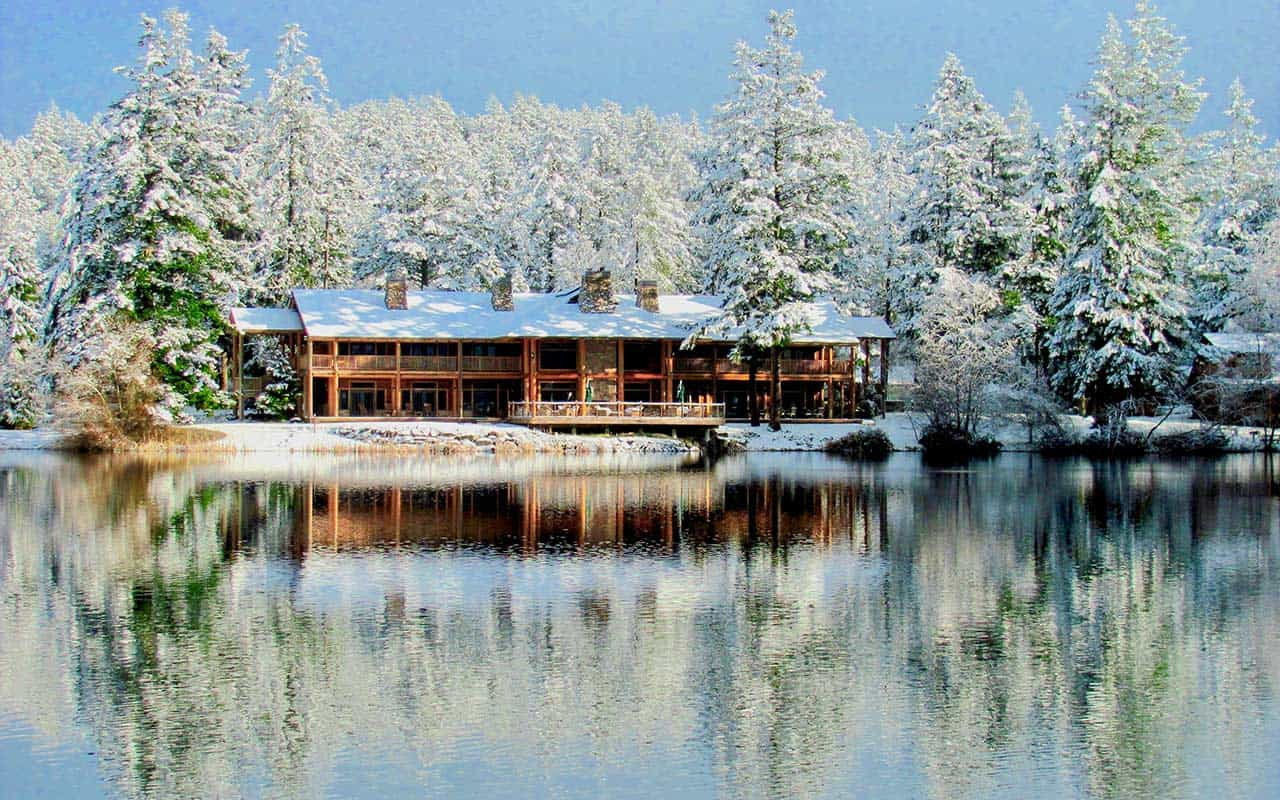 Lakedale lodge in winter