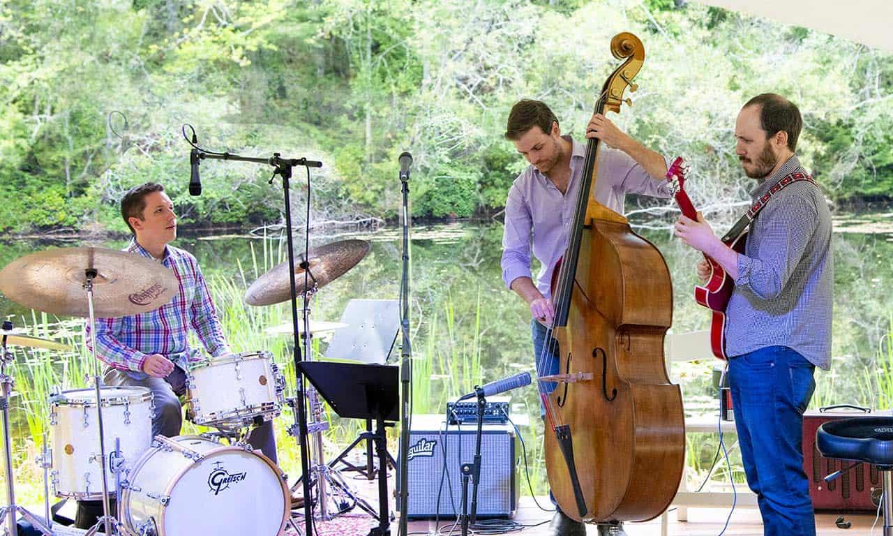 Max-holmberg-trio-at-Music-festival