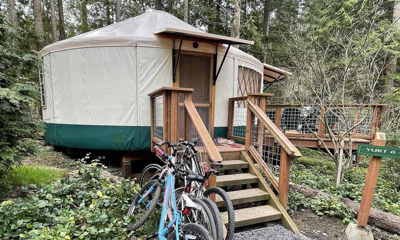 yurt-6-with-bikes