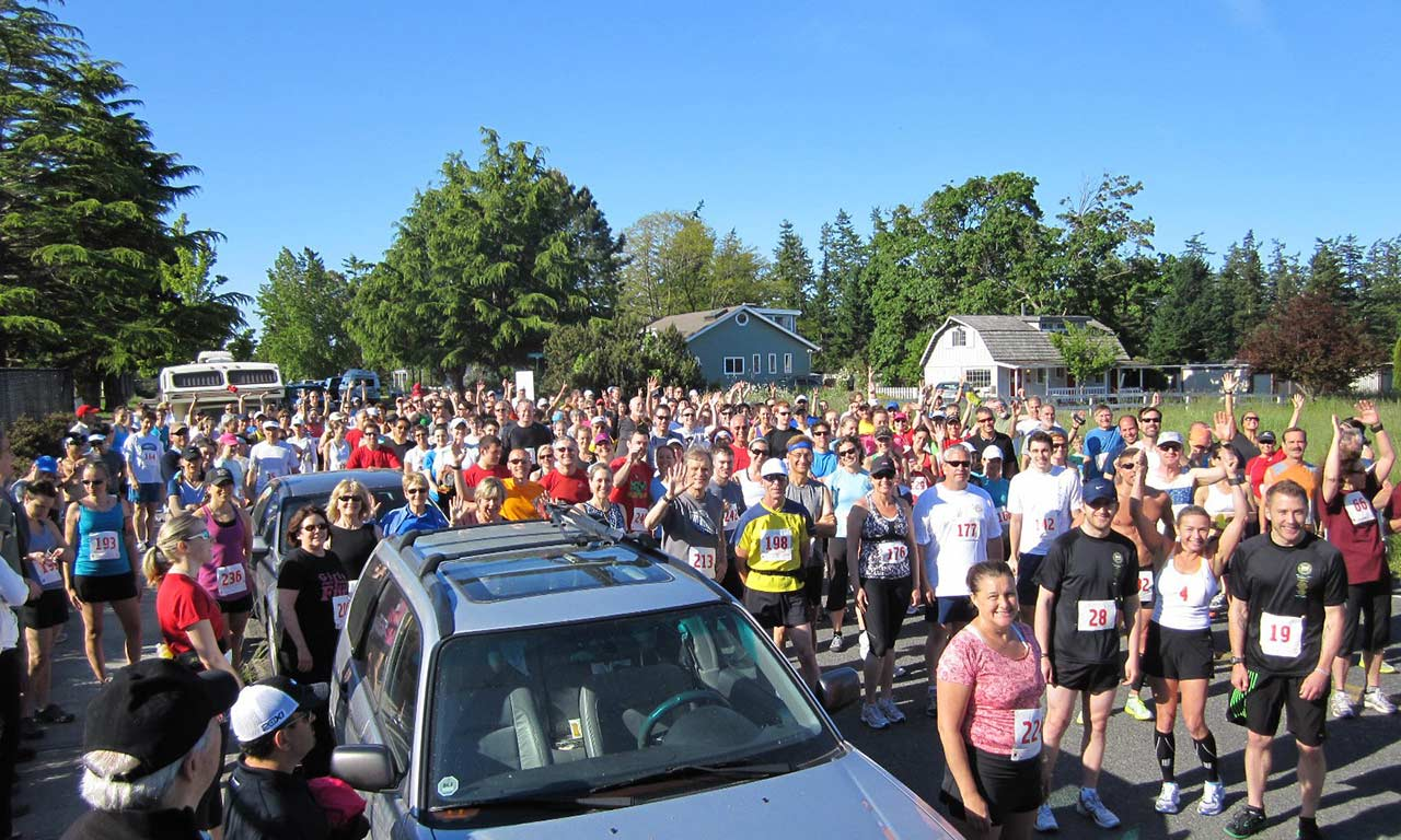 1280 Triathlon bikerrunners-at-start-of-triathlon