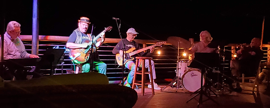 musicians jamming at Lakedale Music Festival 2021