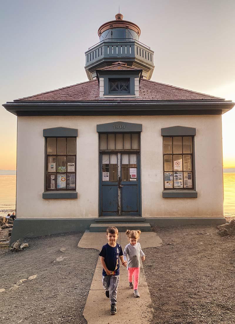 kids at Lime Kiln Lighthouse on San Juan Island